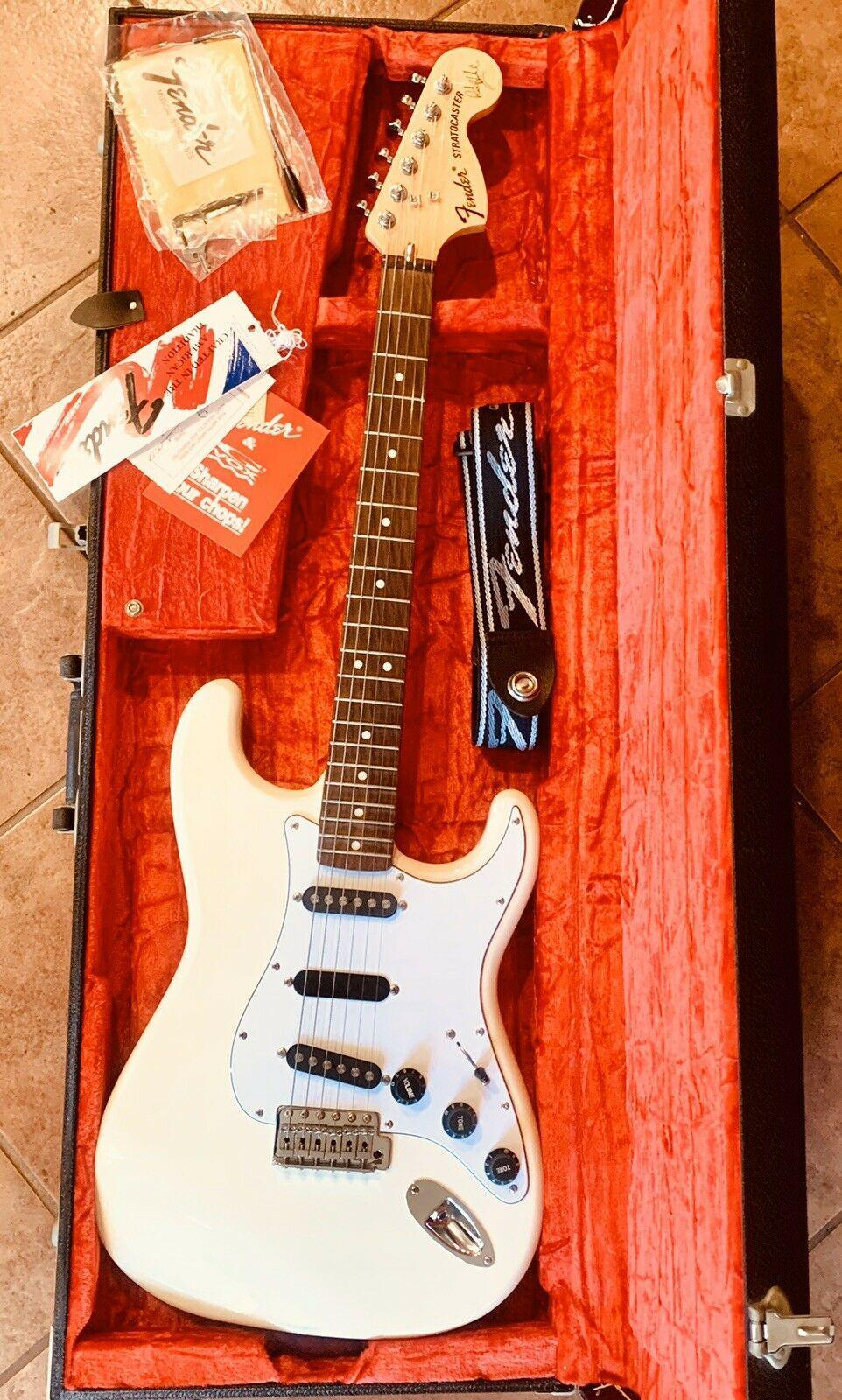Fender Japan Ritchie Blackmore Stratcaster Electric Guitar Japan Made Mint