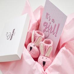 Pregnancy gift box Pink Its a girl Baby girl shower idea Best pregnancy gifts Newborn shoes gift Expectant gift Funny pregnancy New mom gift