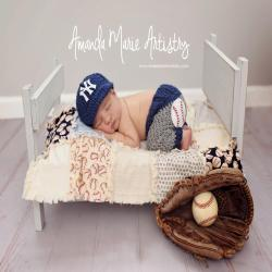 Newborn NY Yankees costume Baby Boy baseball set, cap and pants, Baby Baseball outfit, crochet baby shower gift