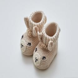 Newborn shoes gift Expectant Funny pregnancy present Cute crochet llama booties Expecting mom New mommy gift set Newly expecting Mama to be