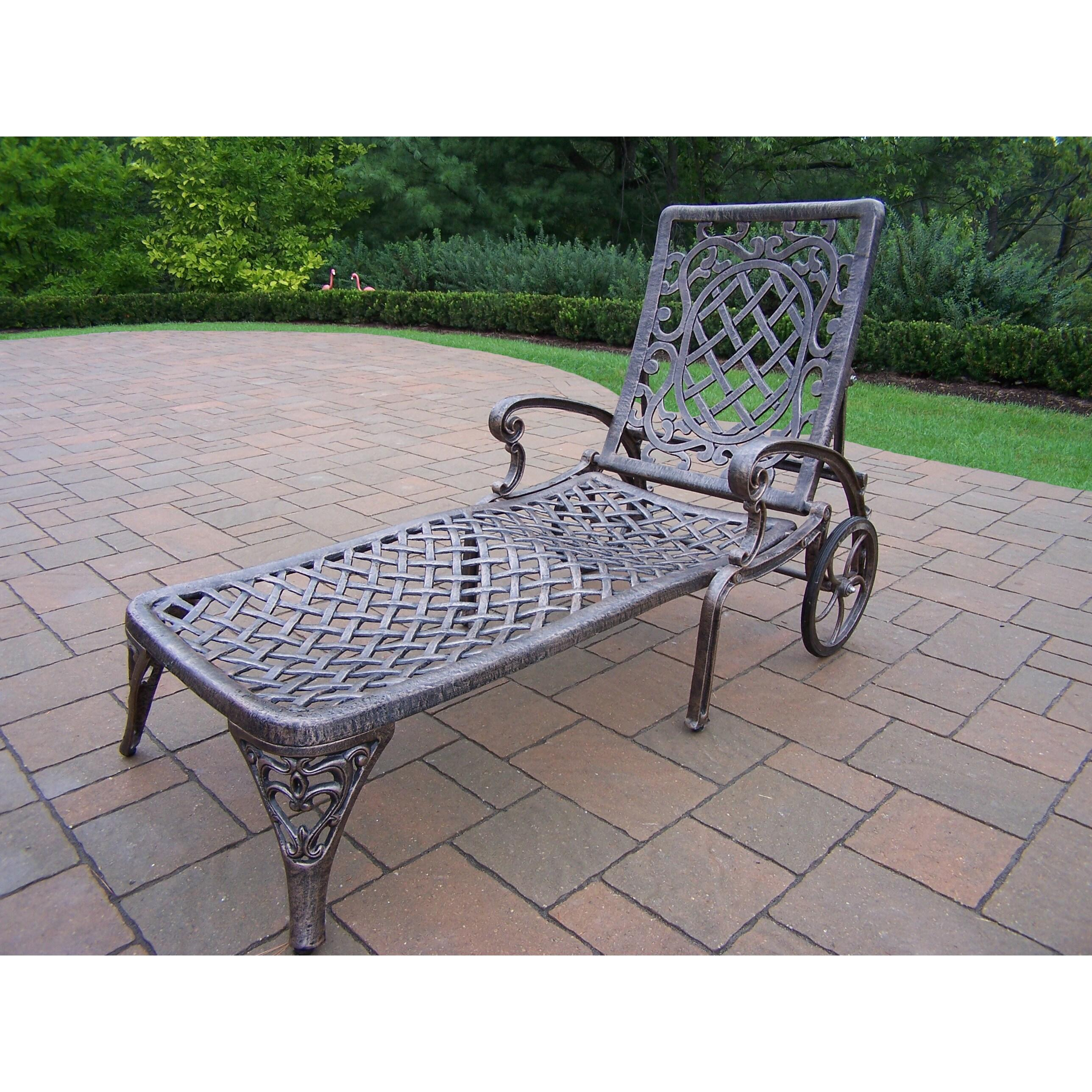 Dakota Cast Aluminum Lounge Set with 1 Cushioned & Wheeled Chaise Lounge, Square Side Table and Beige Umbrella with Stand